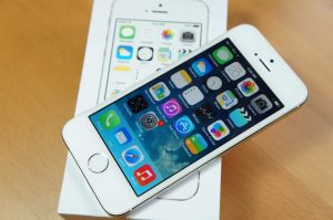 iphone 5s cu gia bao nhieu