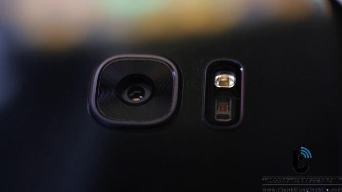 Thay camera Galaxy S7 edge