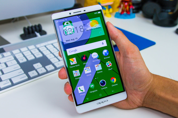 thay-mat-kinh-oppo-r7-1