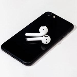 Có nên mua iPhone 7 Lock vào lúc này?