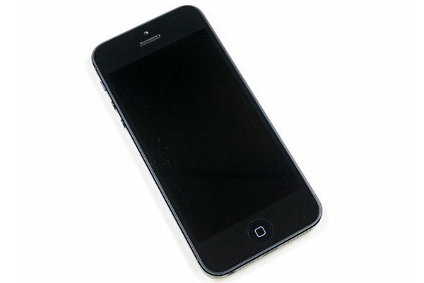 cach-khac-phuc-tinh-trang-iphone-5-mat-den-man-hinh