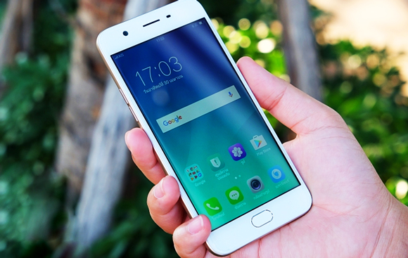 thay-mat-kinh-oppo-f3-1