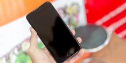 Cấp cứu nhanh khi đang dùng iPhone 7 bị tắt màn hình