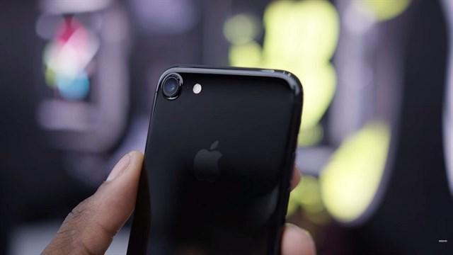 Phòng tránh tình trạng iPhone 7 bị trầy, tróc sơn