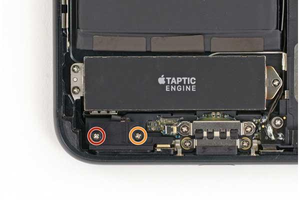 tu-thay-pin-iphone-7-plus-10