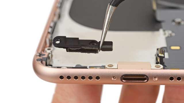 thay-loa-iphone-8-plus-1