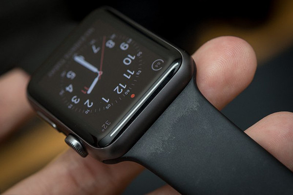 thay-day-apple-watch-series4-1