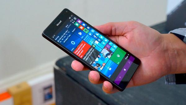 thay-pin-microsoft-lumia-950-xl-1