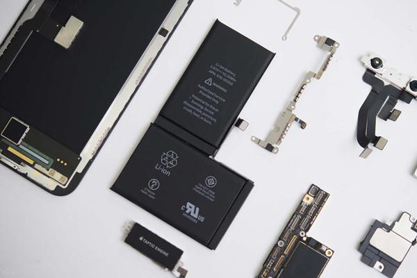 cách khắc phục khi cắm sạc iPhone không vào điện - 2