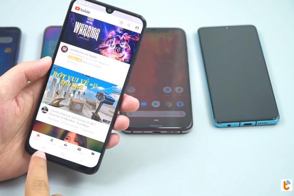 cách chia đôi màn hình Android 9 Samsung - bước 2