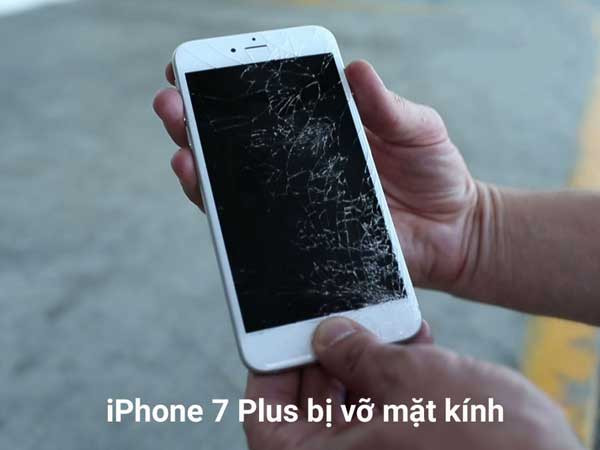 khi-nao-can-thay-mat-kinh-iphone-7-plus
