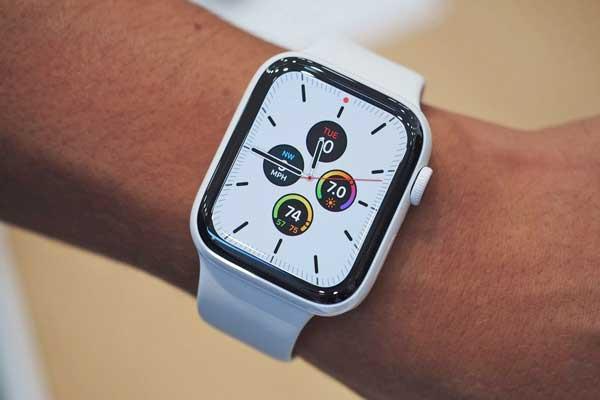 thay-man-hinh-apple-watch-series-5-1