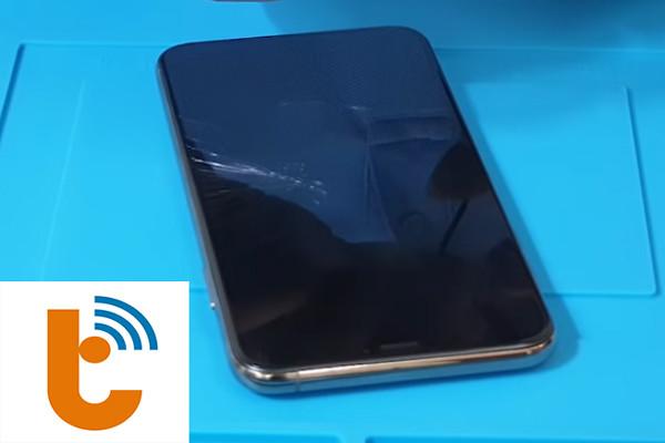 thay-man-hinh-iphone-xs-max-7