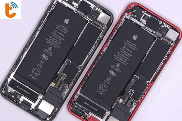 thay-pin-iphone-se-2020-2
