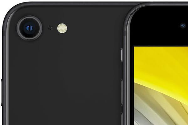 thay-kinh-camera-sau-iphone-se-2020