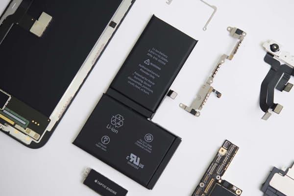 thay-pin-iphone-11-1