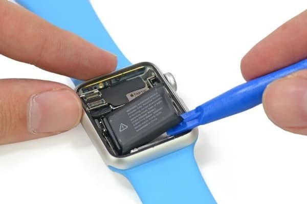 thay-main-dong-ho-apple-watch-4