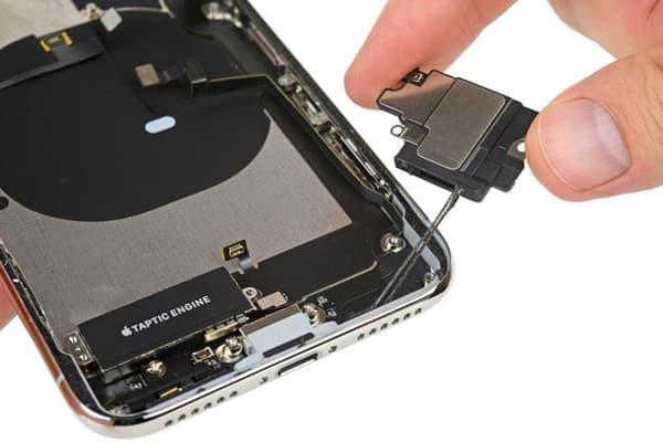 thay-sua-loa-iphone-1