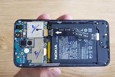 Thay pin Nokia X5 (Nokia 5.1 Plus)