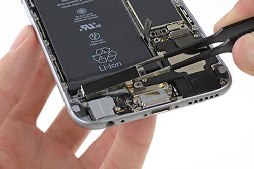 thay-cuc-rung-iphone-7-chinh-hang