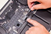 Thay pin Macbook Pro 2015 chính hãng