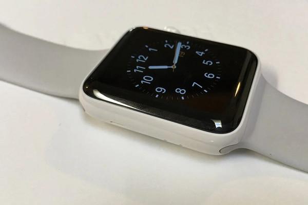 thay-man-hinh-apple-watch-series-6-1