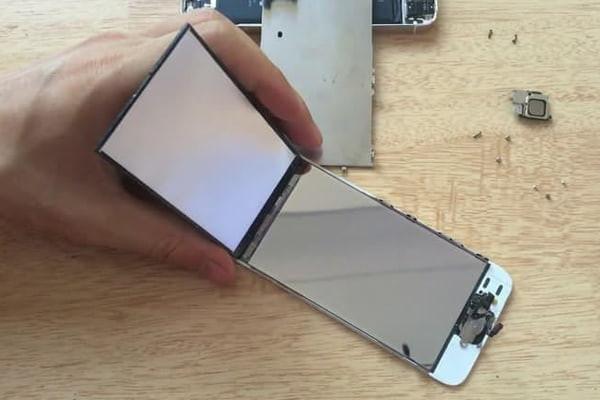 thay-phan-quang-iphone-8-2