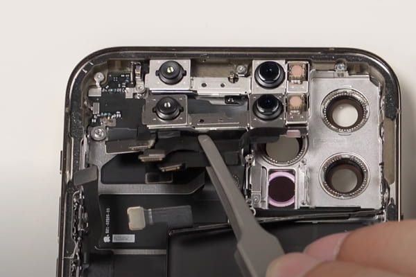 camera-truoc-cua-iphone-12-pro