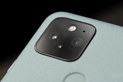 Thay camera trước, sau Google Pixel 5