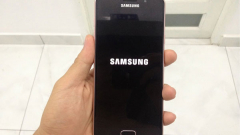 Samsung A20 treo logo nguyên nhân do đâu? Cách khắc phục như nào?