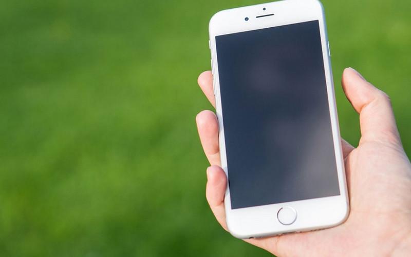 Giải thích màn hình iPhone 7 Plus bị tối: Nguyên nhân và giải pháp xử lý