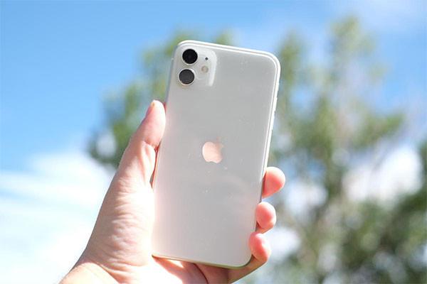 Sửa iPhone 11 bị nóng