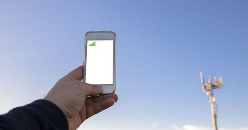Vì sao điện thoại 2 sim hay bị mất sóng? Đi tìm giải pháp khắc phục