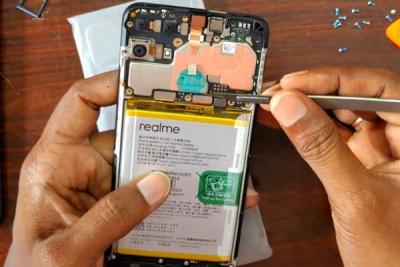 Thay pin Realme C25, C25s