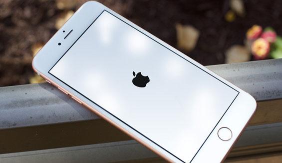 Cấp cứu lỗi iPhone 6 bị treo táo an toàn tại nhà